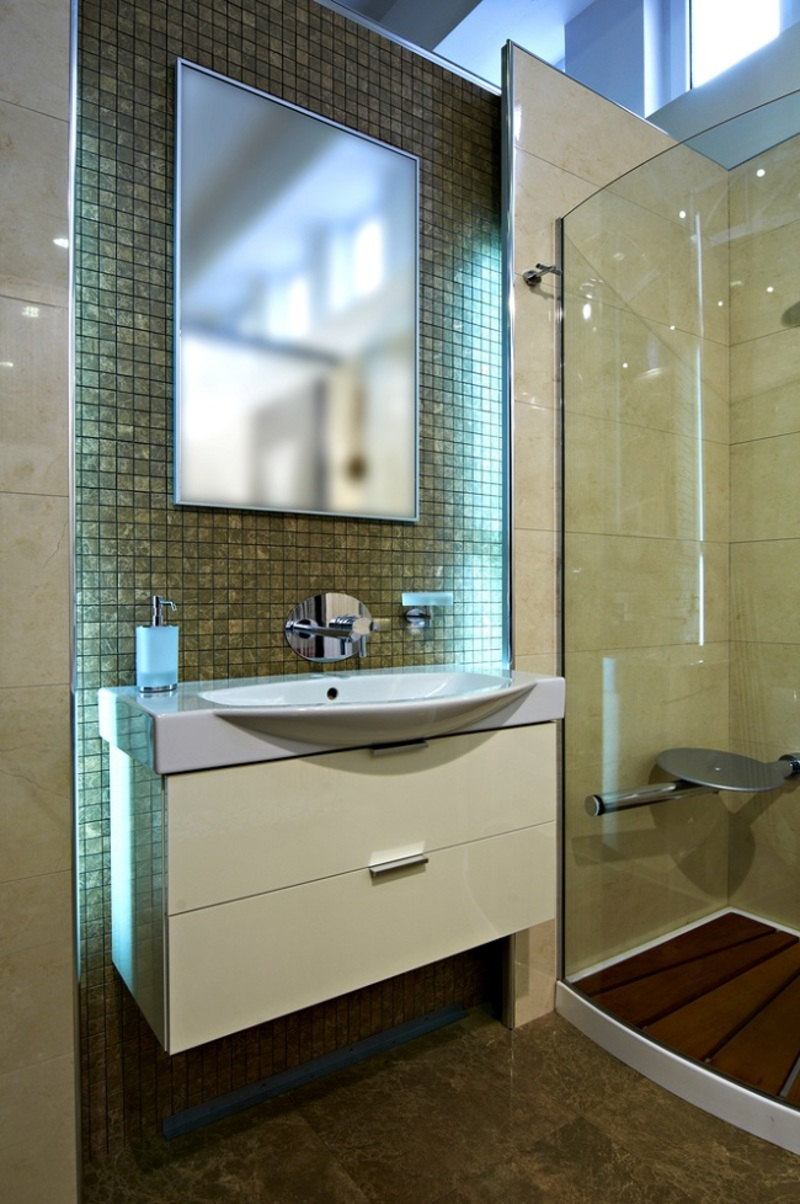 Shower Screen  - 4 Important Tips on Selecting the Appropriate Bathroom Shower Screen