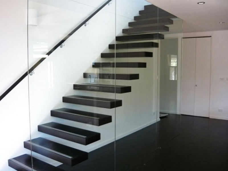 Cantilevered Stairs  - Install the Stylish Cantilevered Stairs for Your Home