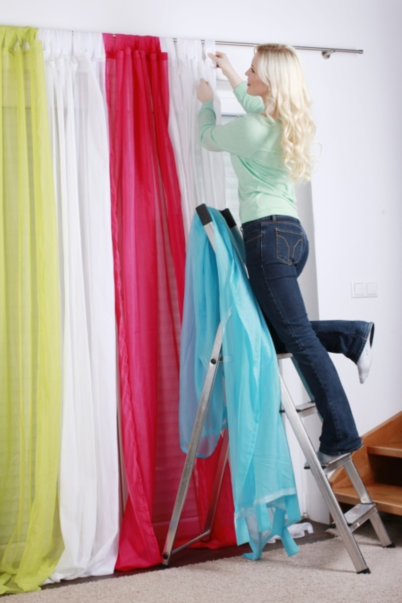 How to Choose a Curtain Cleaning Professional? – Tips and Guide