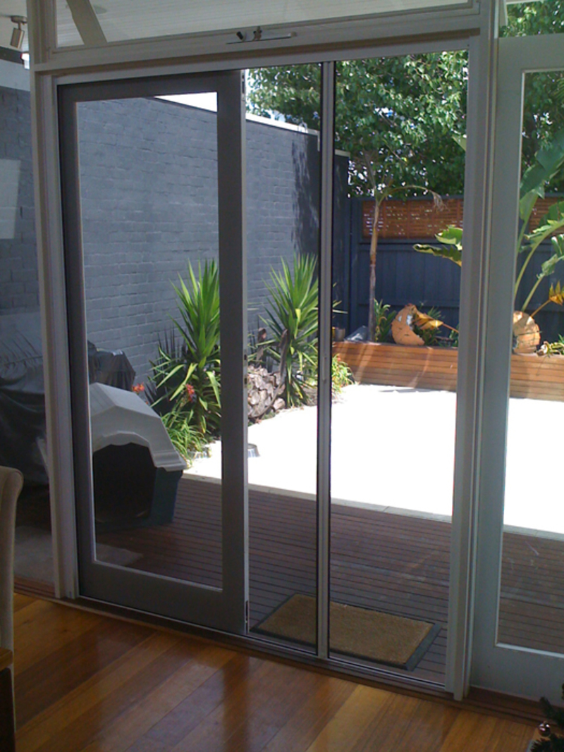 Retractable Window Screens  - Think About Installing a Suitable Retractable Window Screens